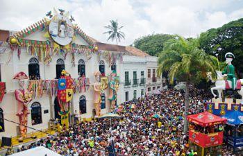Olinda inicia vacinação para profissionais que irão trabalhar durante o Carnaval