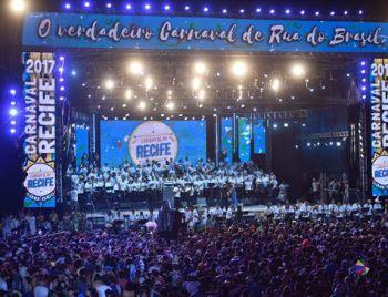 Arrastão do frevo marca encerramento do Carnaval do Recife