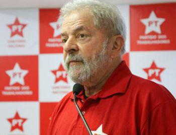 Lula é condenado por Sérgio Moro a nove anos de prisão por corrupção