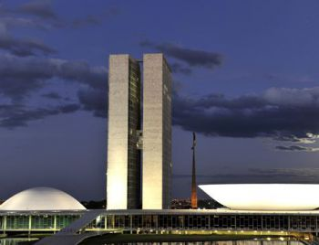 Congresso Nacional custa R$ 1,16 milhão por hora aos brasileiros, diz ONG