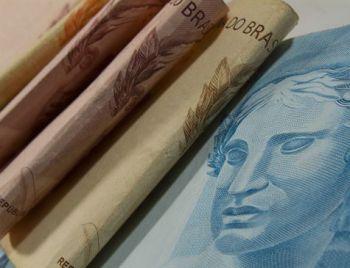 Salário de servidor será congelado, e governo prevê poupar R$ 9,8 bi