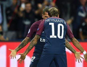 Neymar vende 50 mil camisas em dois meses