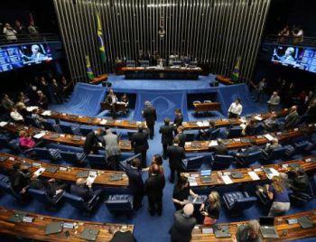 Senado adia novamente votação que pode reverter afastamento de Aécio