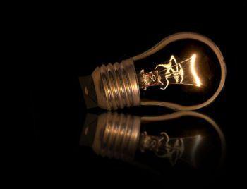 Térmicas mais caras se mantêm acionadas, e luz deve subir mais