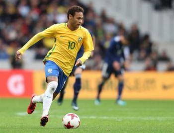 Neymar chora em entrevista após receber elogio de Tite