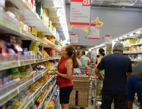 Mercado financeiro volta a prever inflação abaixo da meta: 2,88%