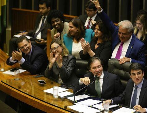 Congresso aprova crédito de R$ 2 bi prometido a prefeitos