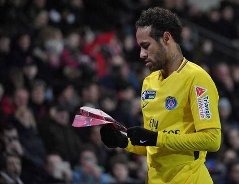 Dono do PSG virá ao Brasil para convencer Neymar a ficar