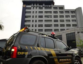 PF cumpre mandados de prisão contra doleiros
