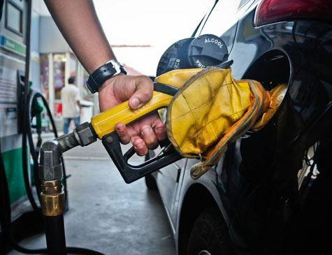 Governo e Petrobras discutem nesta terça preço dos combustíveis