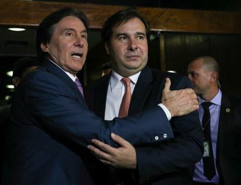 Eunício e Maia anunciam que governo pretende zerar um dos tributos sobre os combustíveis