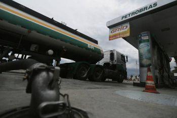 Mais um aumento: preço da gasolina sobe 1,8% nas refinarias a partir de hoje