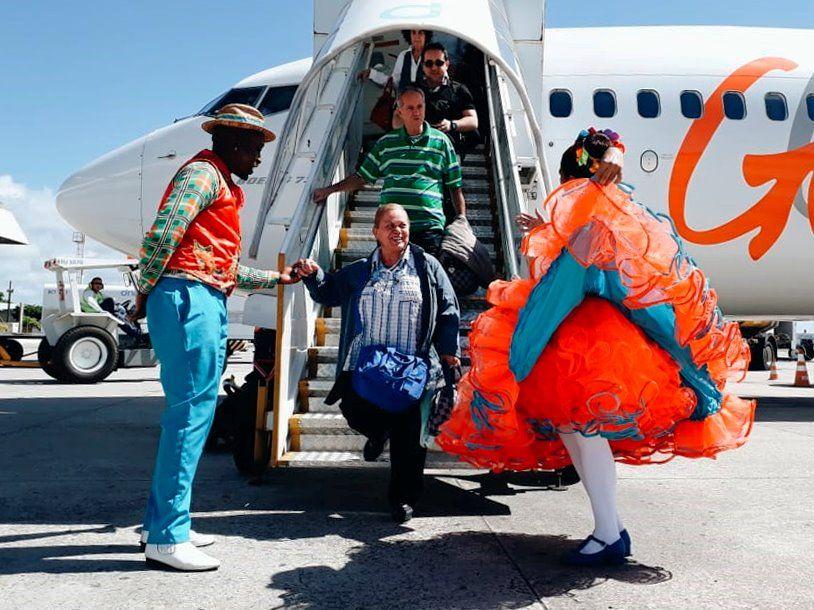 Prefeitura recebe turistas com recepção especial no Aeroporto de Aracaju