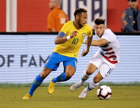 Brasil encara El Salvador para continuar renovação pós-Copa