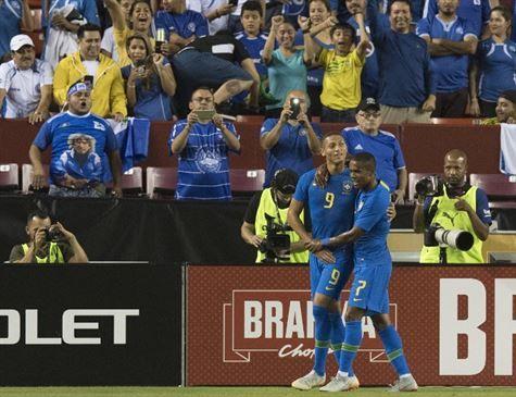 Sem dificuldades, Brasil goleia El Salvador: 5x0