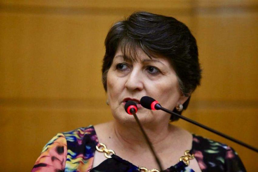 Maria Mendonça lamenta descaso com rodovias