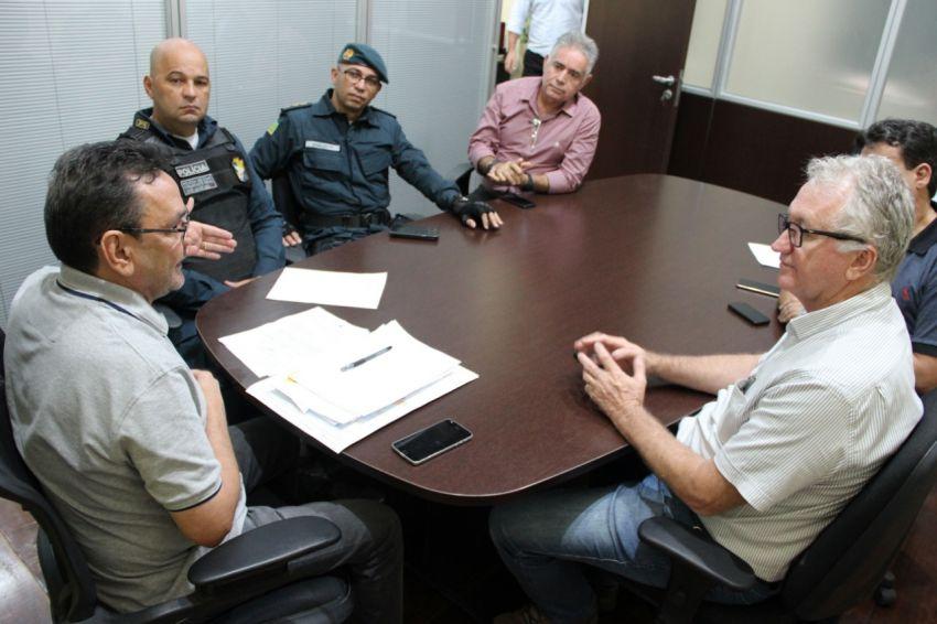 Secretário João Eloy recebe empresários representantes do projeto Natal Iluminado Aracaju