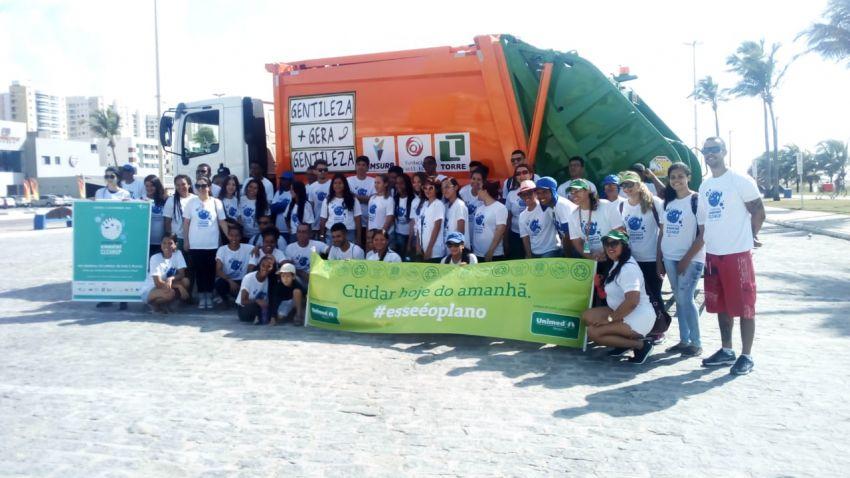 Fundação Ecoar apoia ação mundial que recolheu mais de 1 tonelada de lixo na Orla da Atalaia