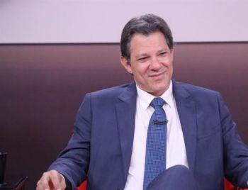 Bolsonaro continua líder, Haddad cresce 11 pontos e se isola em segundo, diz Ibope