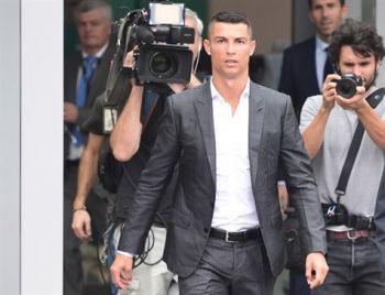 Americana acusa Cristiano Ronaldo de estupro em 2009, diz revista