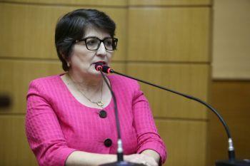 Outubro Rosa: deputada chama a atenção de mulheres e homens sobre o câncer de mama
