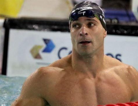 Nadador brasileiro Nicholas Santos bate recorde mundial que durava 9 anos