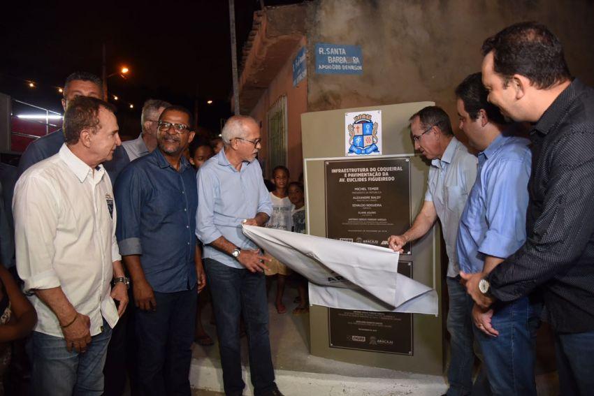 Edvaldo inaugura obra de infraestrutura no bairro Coqueiral