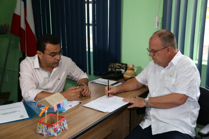 Belivaldo busca parceria com governo da Bahia para melhorar abastecimento de água em Tobias Barreto