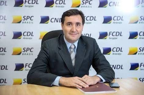 CDL e FCDL apelam para não decretação de ponto facultativo