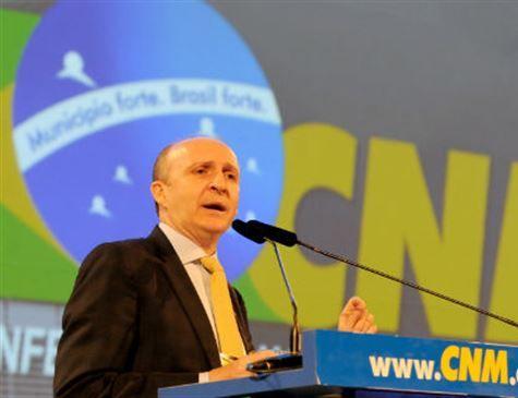 Confederação Nacional dos Municípios pede manutenção do Mais Médicos