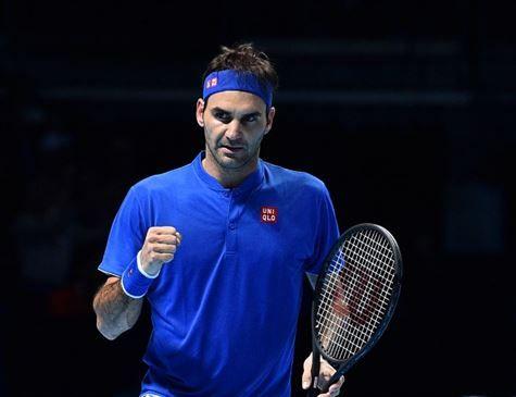 Federer vence Anderson e avança às semis do ATP Finals