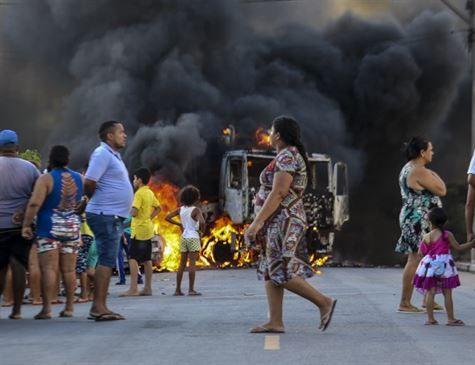 Com reforço policial em Fortaleza, ataques rumam para o interior do Ceará