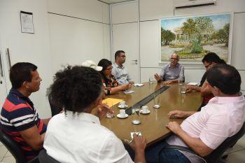 Em reunião com músicos, Edvaldo diz que pleiteará audiência com novo ministro para liberar verbas do Forró Caju