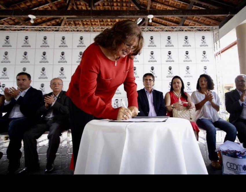 Acolhida por movimentos sociais, Lêda Couto toma posse na Secretaria de Inclusão e Assistência