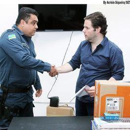 Secretaria do Turismo doa computador para agilizar serviços da BPTur