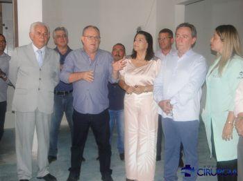 HOSPITAL DE CIRURGIA RECEBE VISITA DO GOVERNADOR BELIVALDO CHAGAS