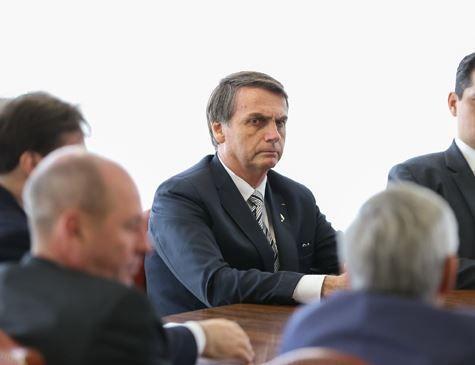 Áudios confrontam versão de Bolsonaro sobre conversa com Bebianno
