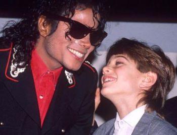 Documentário com acusações de pedofilia contra Michael Jackson estreia nos EUA