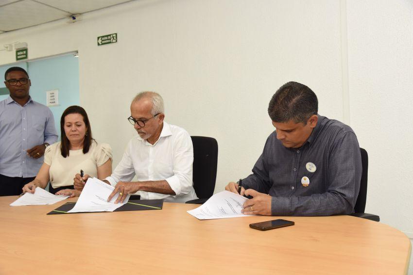Edvaldo e Instituto GBarbosa assinam termo para criação de novo polo da Academia da Cidade