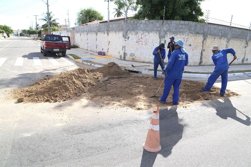 Prefeitura entra na Justiça contra Deso por abrir buraco em avenida recém-recapeada