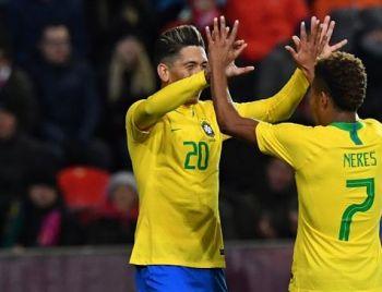 Brasil vence tchecos antes de convocação para a Copa América