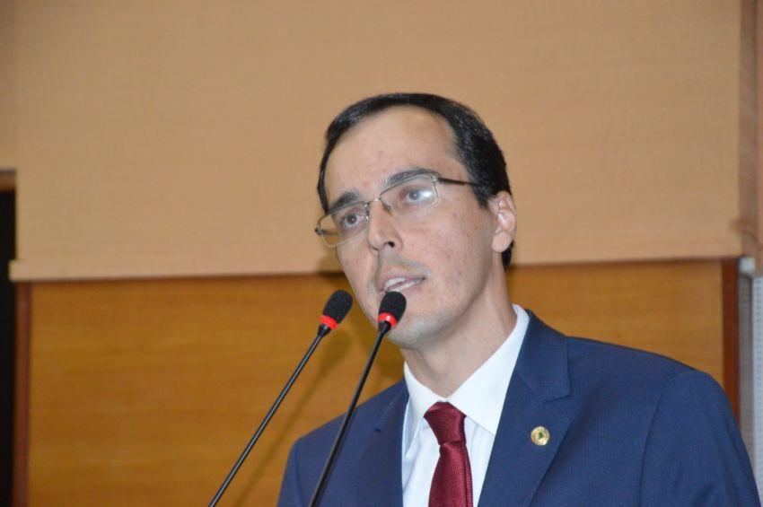 PEC quer tornar obrigatória a ida de Secretários na Alese