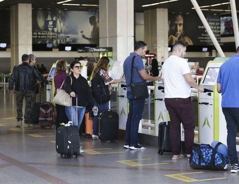 STJ mantém decisão que autoriza aéreas a cobrar bagagem despachada
