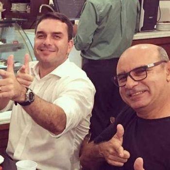 Flávio lucrou R$ 728 mil em transações com 2 investigados do caso Queiroz