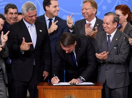 14 governadores assinam carta contra decreto de Bolsonaro sobre armas