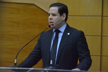 Rodrigo: 'Milhões gastos em consultorias e a obra do CIC não termina!'