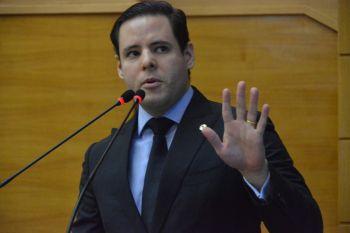 'Belivaldo administra Sergipe como se fosse uma bodega', critica deputado