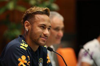 Após depor na polícia, Neymar diz que está muito tranquilo