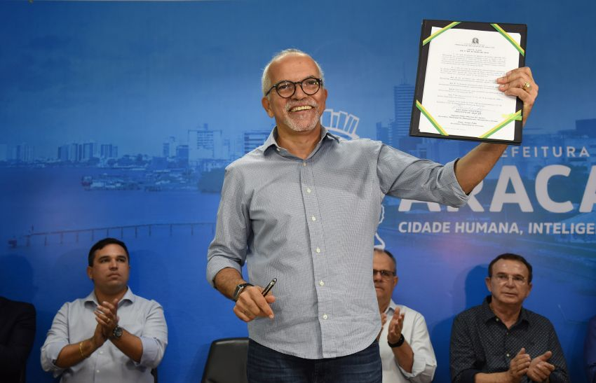 Edvaldo sanciona lei que renova e amplia convênio com o Ipesaúde