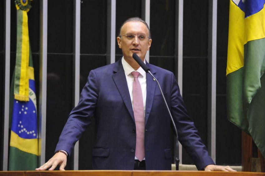 Fábio Henrique defende o consumidor e diz não a cobrança de bagagens